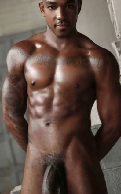 this picture shows a muscular black man with a large penis
